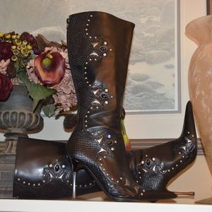 ALDO Black Boots🌻Size 7 with Studded Detailing.